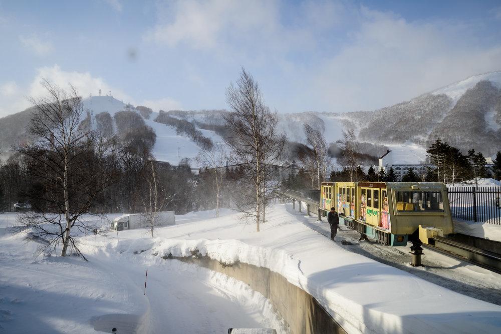 Monorail connecting Rusutsu Resort to the Westin Tower