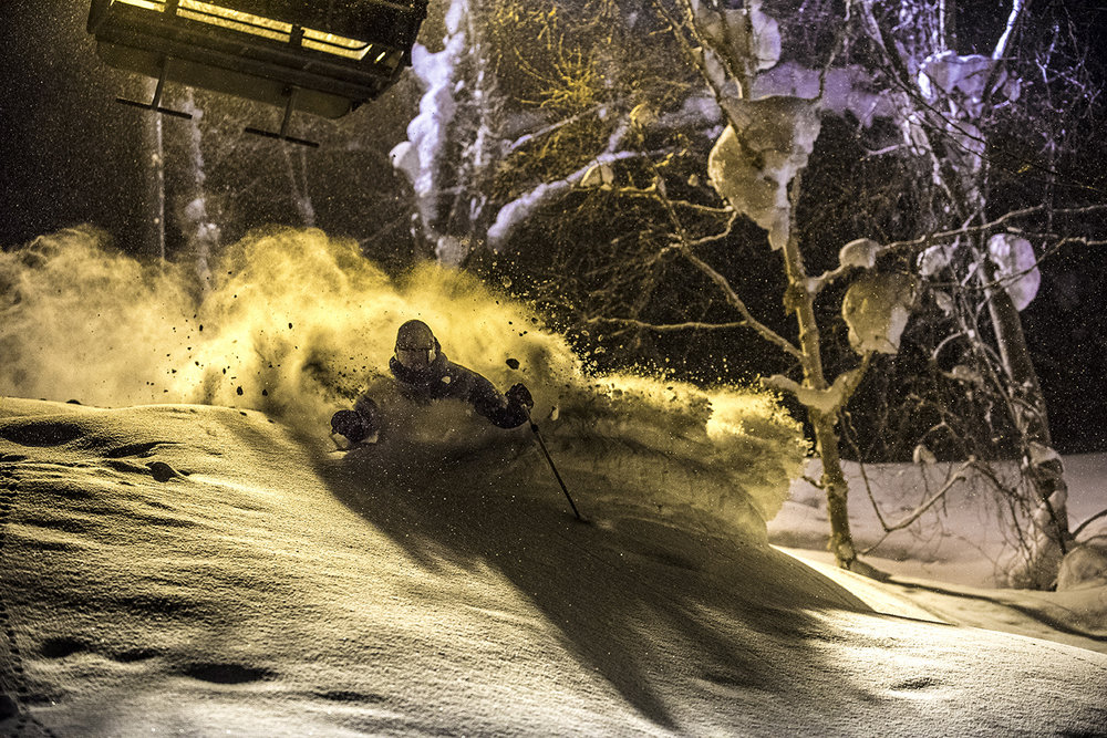 Night powder snowlocals