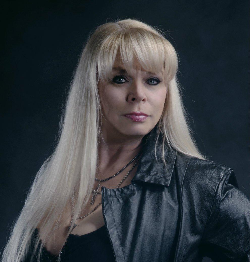 Kadrolsha Ona Carole