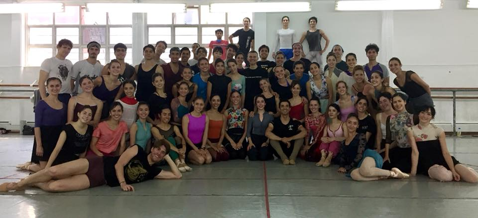 Corinne (left, kneeling) IN COMPANY PHOTO WITH THE COMPAÑIA NACIONAL DE DANZA