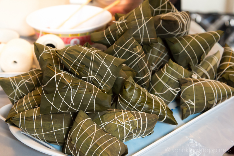 stick glutinous rice wrapped in bamboo leaves (joong/zongzi)