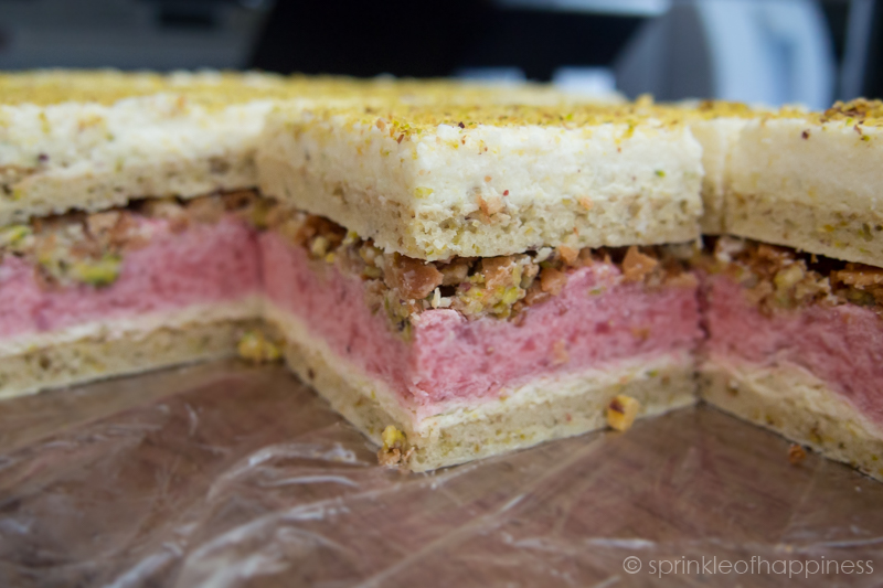 pistachio strawberry layered cake