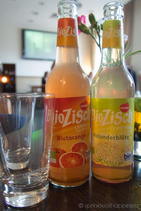 Blood orange and elderflower biozisch