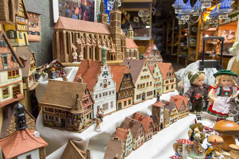 Rothenburg ob der Tauber - window display of model homes, cathedral and dolls