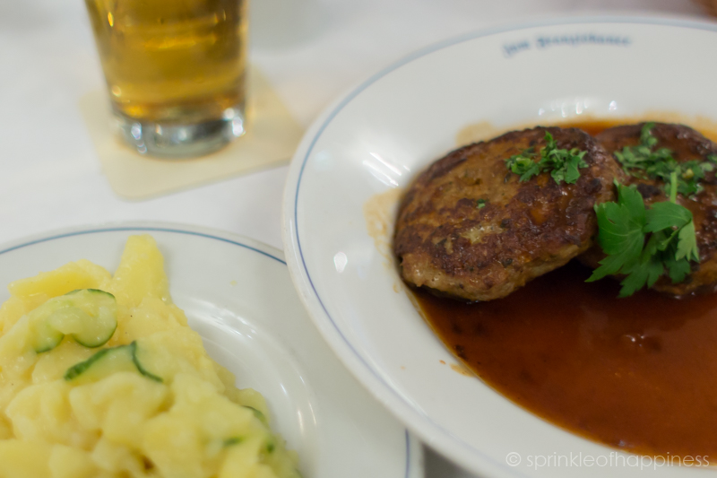 Veal Briesmilzwurst with side salad