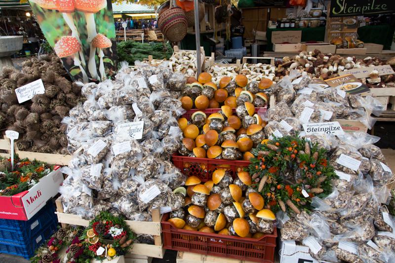 Vikutalienmarkt - Mushrooms