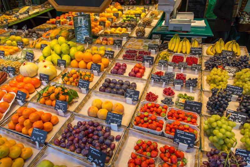 Vikutalienmarkt - Fruit Stall