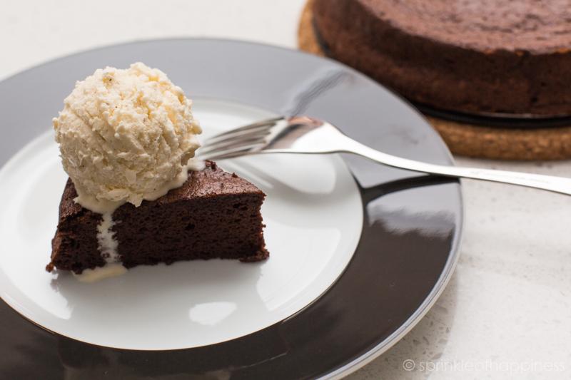 Chocolate flourless cake with ice cream