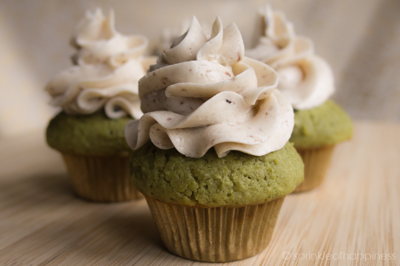Azuki / Red Bean buttercream on matcha / green tea cupcakes