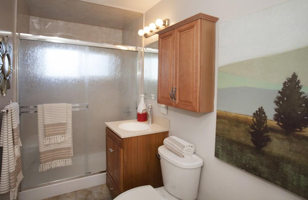 010_Bathroom.jpg