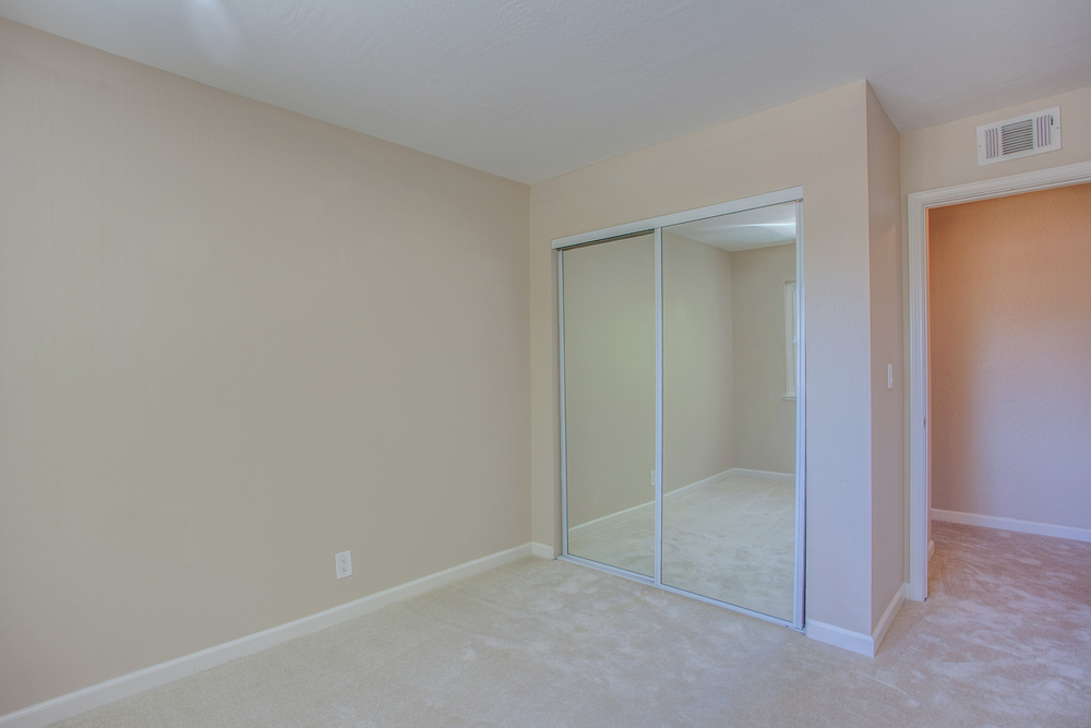 5743_playa_del_rey_4_MLS_HID1115078_ROOMbedroom1.jpg