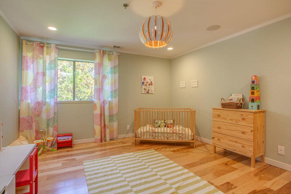 1106_la_terrace_circle_MLS_HID1123238_ROOMbedroom2.jpg