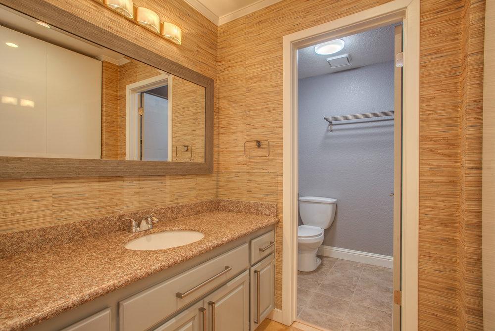 1106_la_terrace_circle_MLS_HID1123238_ROOMmasterbathroom.jpg