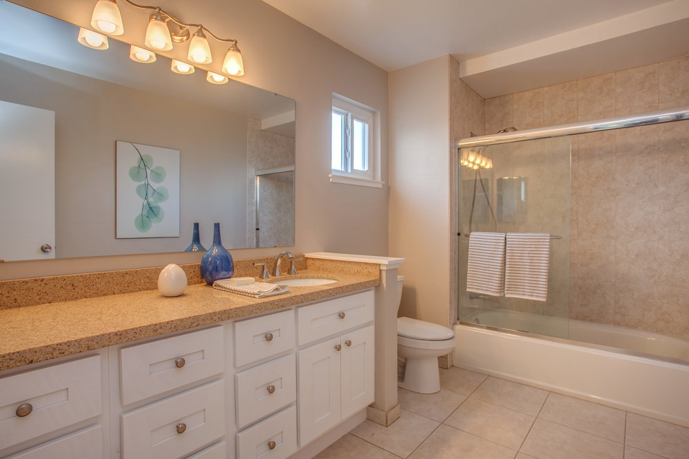 1467_regalo_court_MLS_HID1139484_ROOMfullbathroom.jpg
