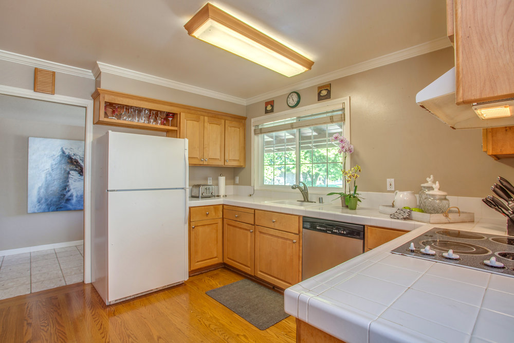 6513_bose_court_MLS_HID1145579_ROOMkitchen.jpg