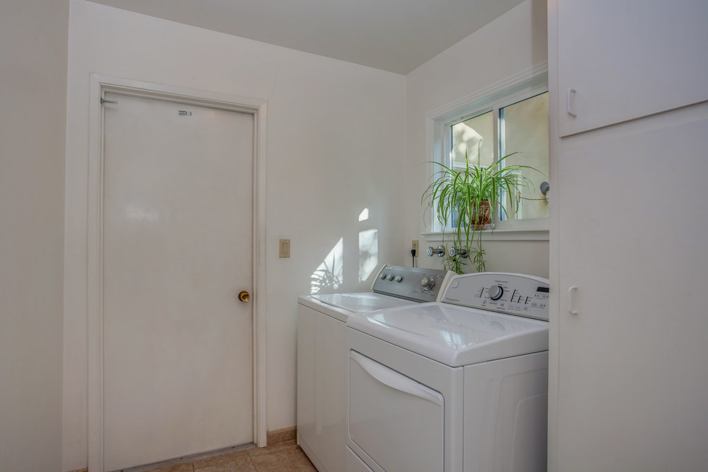 20745_ashley_way_MLS_HID1147504_ROOMlaundryroom.jpg