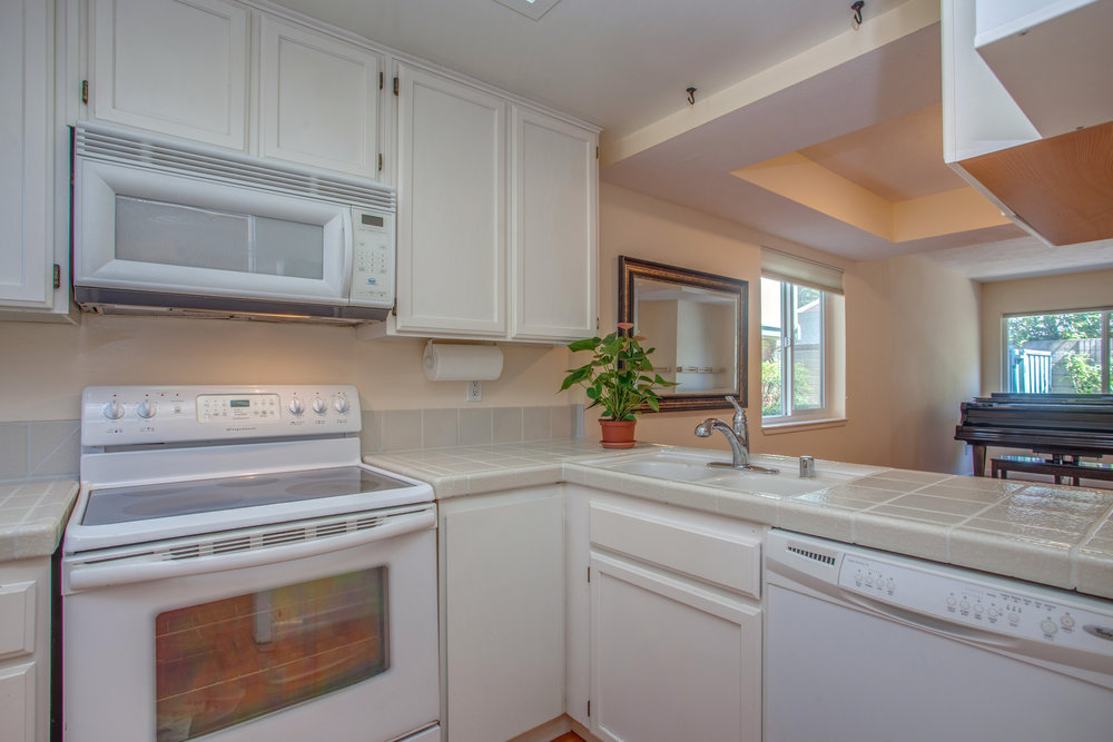 2040_main_street_105_MLS_HID1147580_ROOMkitchen1.jpg