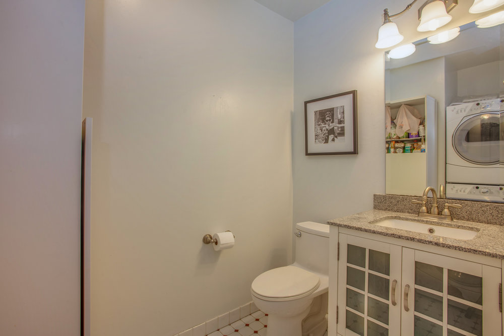 2040_main_street_105_MLS_HID1147580_ROOMpowderroom.jpg
