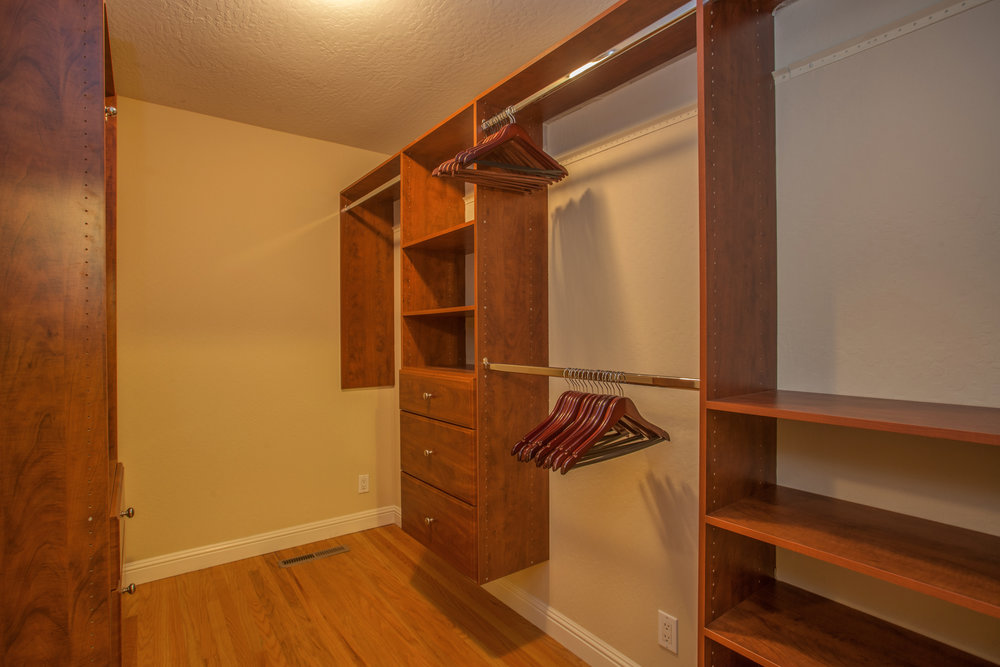 1651_jacob_avenue_MLS_HID1157984_ROOMcloset.jpg