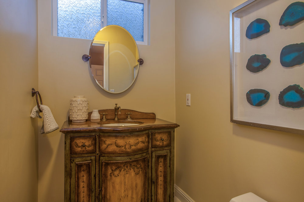 1651_jacob_avenue_MLS_HID1157984_ROOMpowderroom.jpg