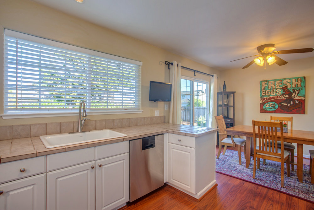 3892_sorci_drive_MLS_HID1157985_ROOMkitchen.jpg