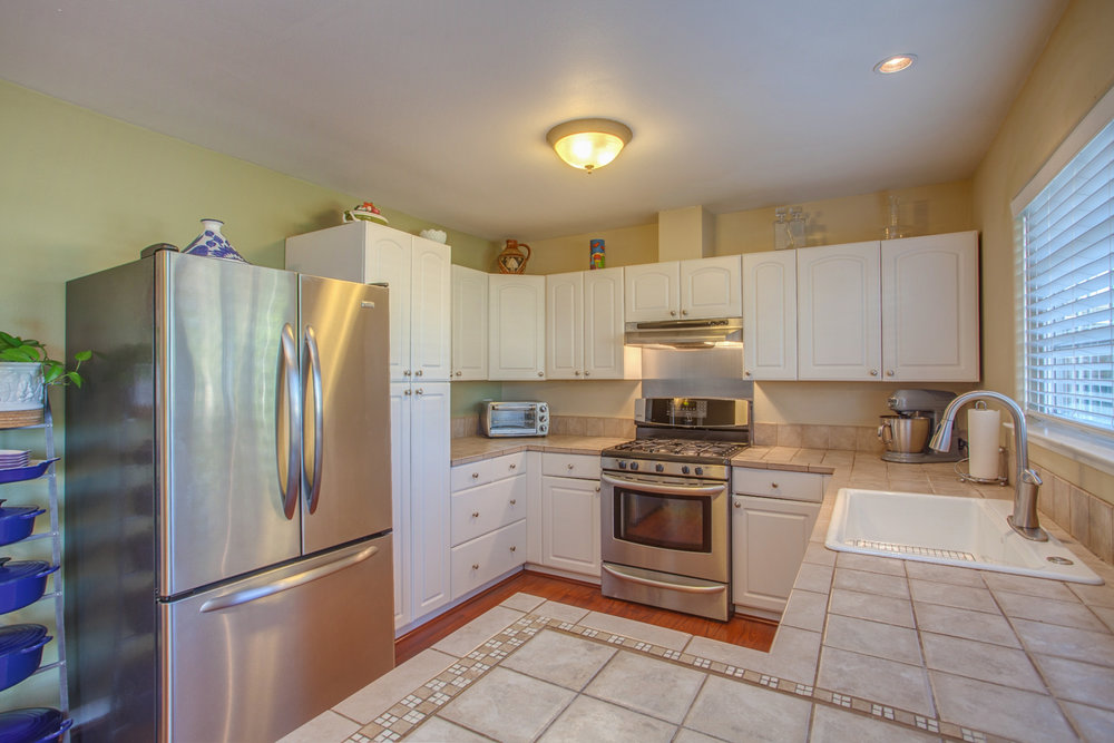 3892_sorci_drive_MLS_HID1157985_ROOMkitchen2.jpg