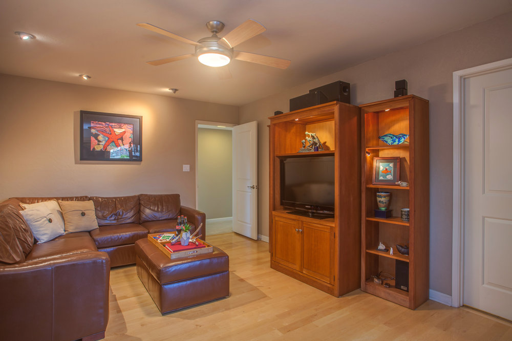 1727_silverwood_drive_MLS_HID1159197_ROOMfamilyroom.jpg
