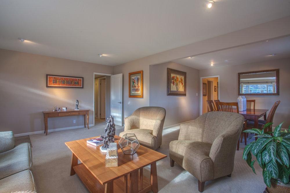 1727_silverwood_drive_MLS_HID1159197_ROOMlivingroom1.jpg