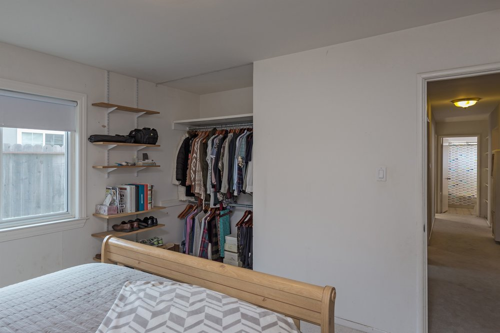 014_Bedroom (2).jpg