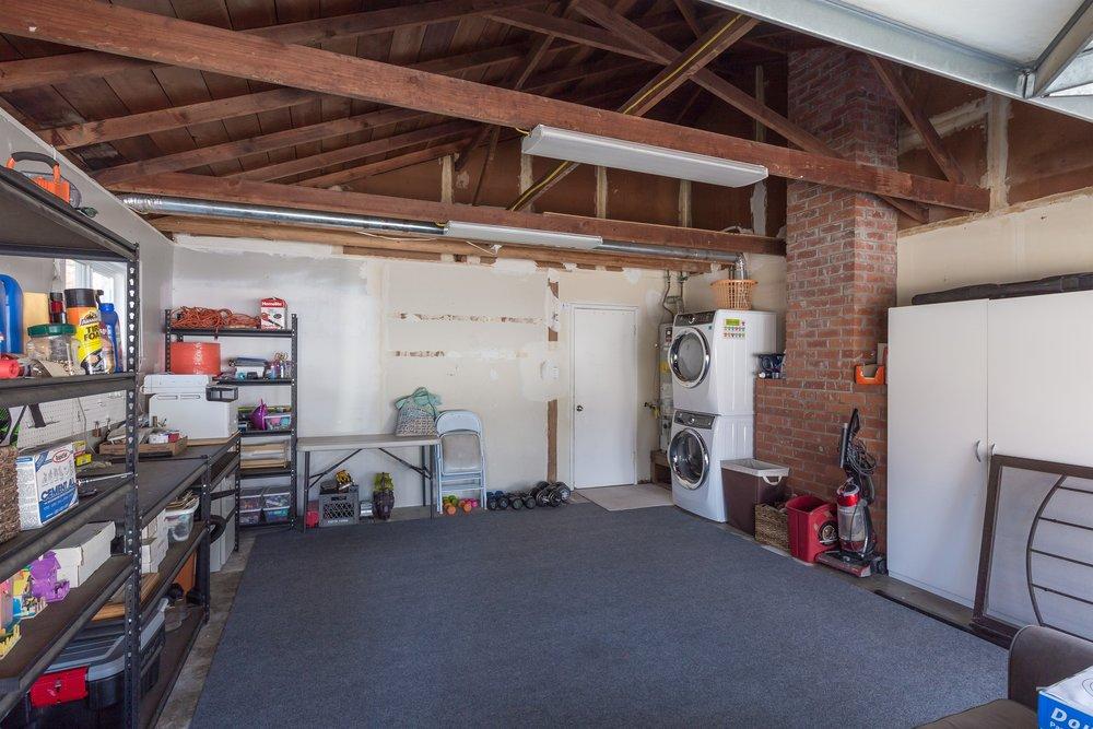 019_Garage .jpg