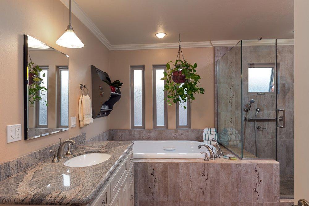 018_Master Bath (1).jpg
