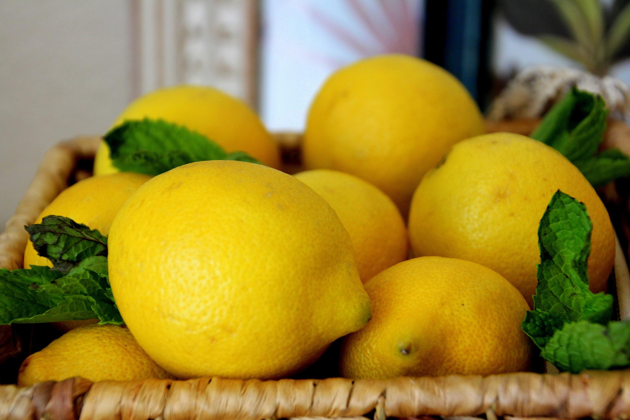 http://click.linksynergy.com/link?id=xFlkuCdZH4w&offerid=265118.74429&type=2&murl=http%3A%2F%2Fwww.puritan.com%2Fnow-foods-brand-0089%2Forganic-lemon-essential-oil-074429%3Fscid%3D4150%26cmp%3Dls-_-datafeed-_-Vegan-_-organic-lemon-essential-oil-_-074429