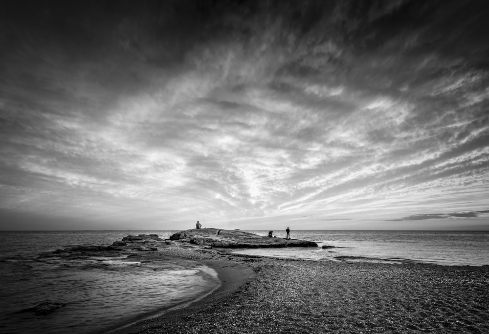 Three Anglers at High Tide BW