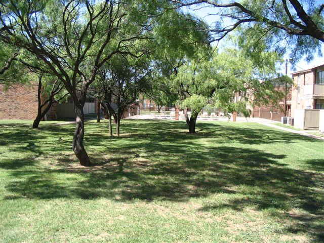 campus 5-18-2006 008.jpg