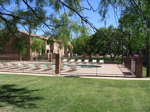 campus 5-18-2006 007.JPG