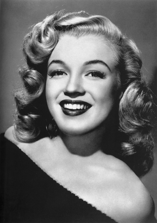 1024px-Marilyn_Monroe_-_publicity 2.JPG