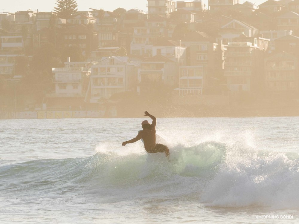 Beau Walker making surfing look super easy - one of the best surfers in Bondi!