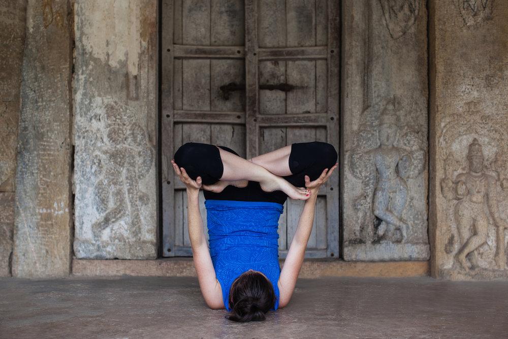 Jessica Dewar Yoga Urdhva Padmasana
