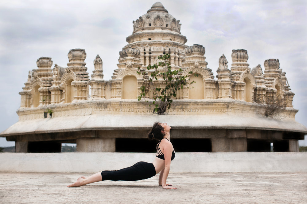 Jessica Dewar Yoga_ Urdhva Mukha Svanasana