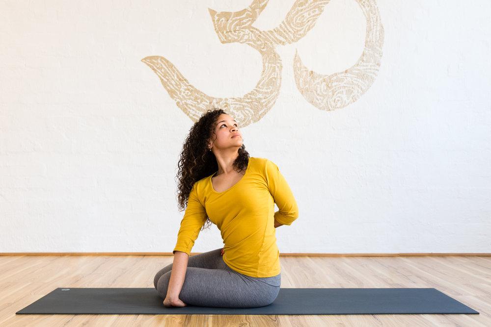 Jessica Dewar Yoga_Ferial