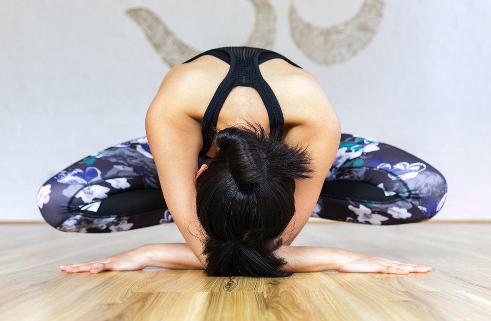 Jessica Dewar Yoga_Vinyasa Flow Classes.jpg