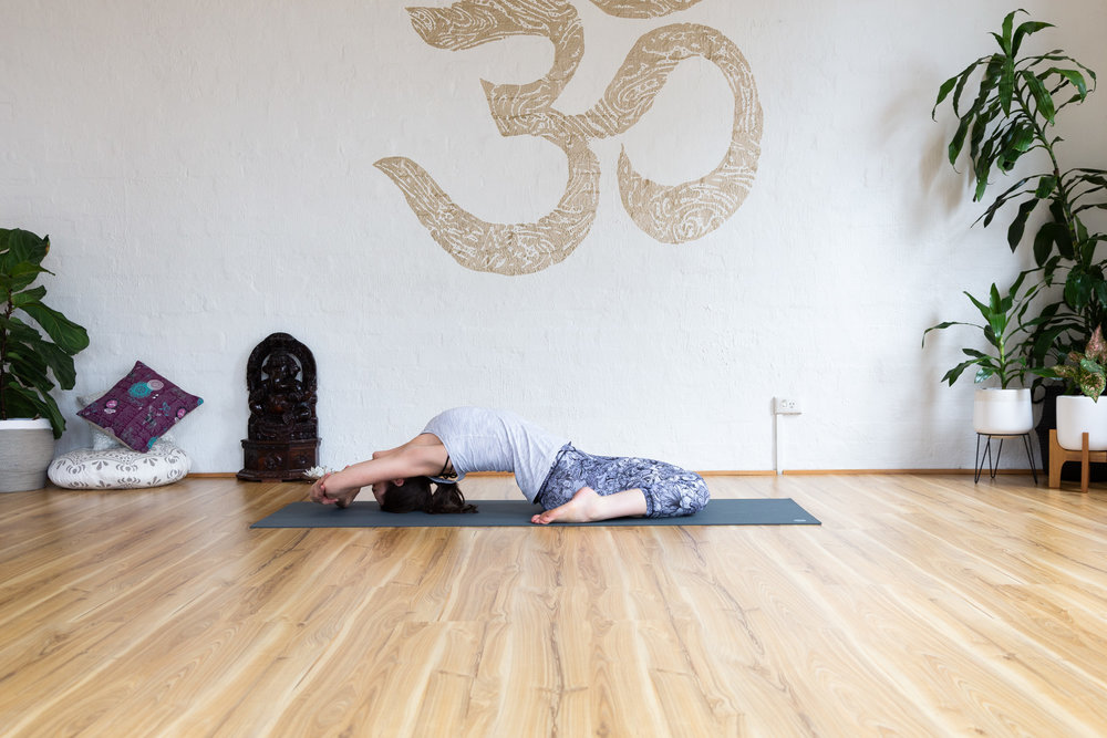 Couch pose (paryankasana): Expand the chest, reach arms overhead, hold 5-9 breaths.