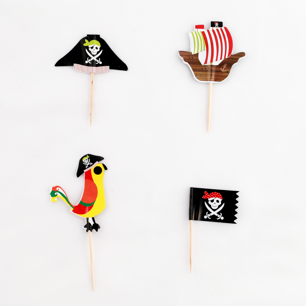 12 PIRATE CAKE TOPPERS