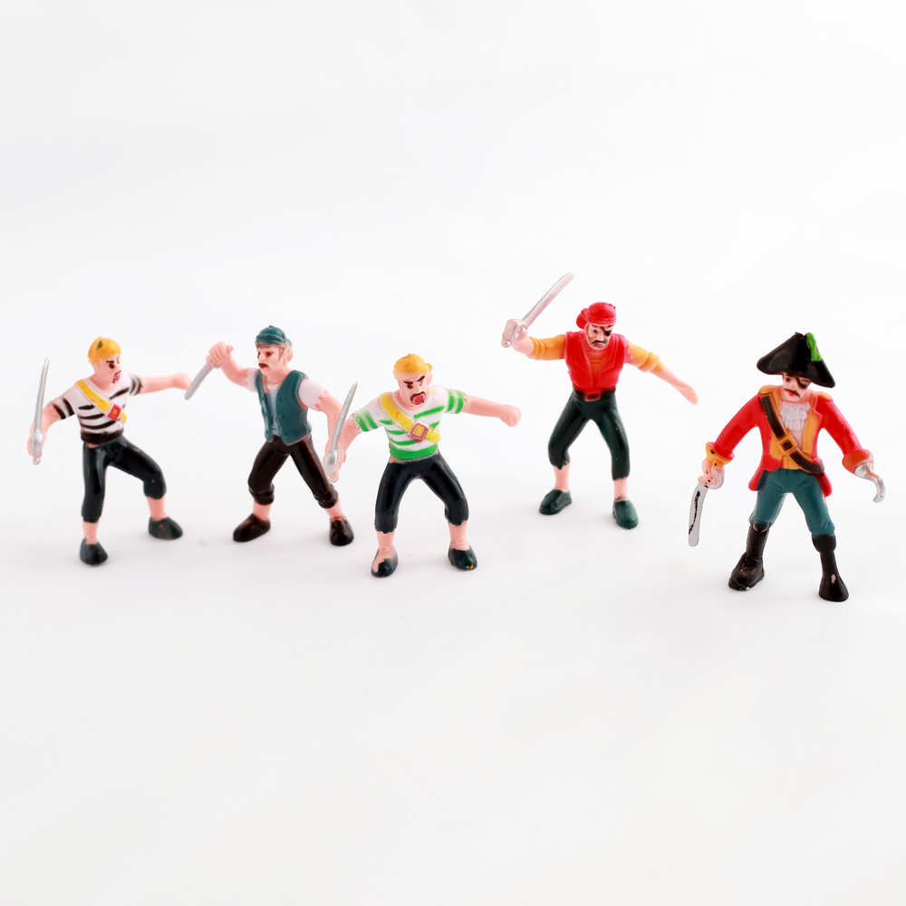 PIRATE FIGURINES
