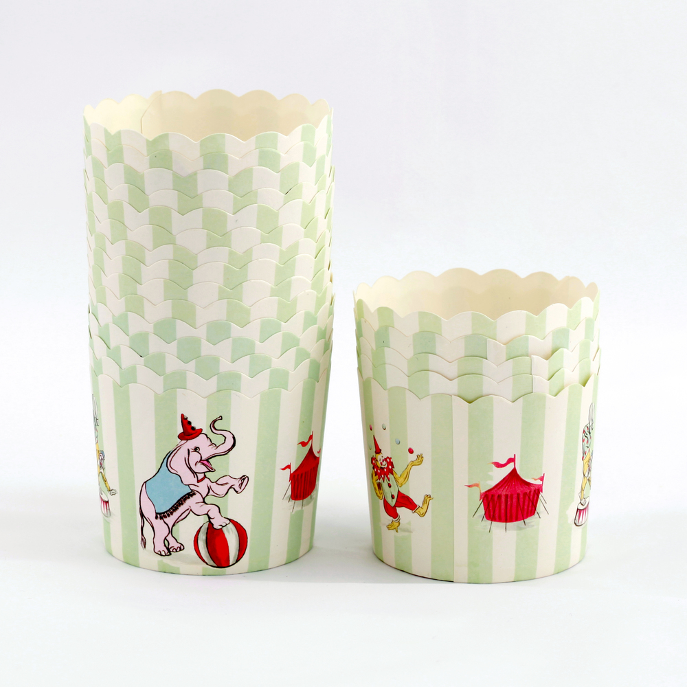 12 circus candy cups