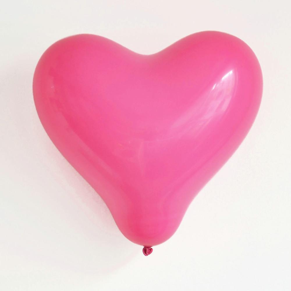 10 pink heart balloons