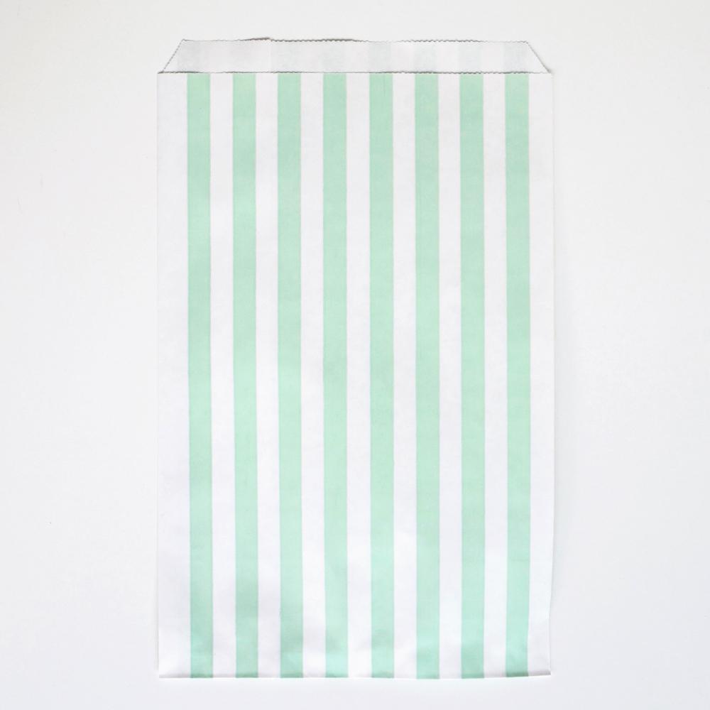 10 aqua striped party bags