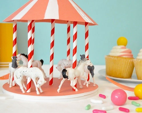SPINNING CAROUSEL CENTREPIECE - OH HAPPY DAY