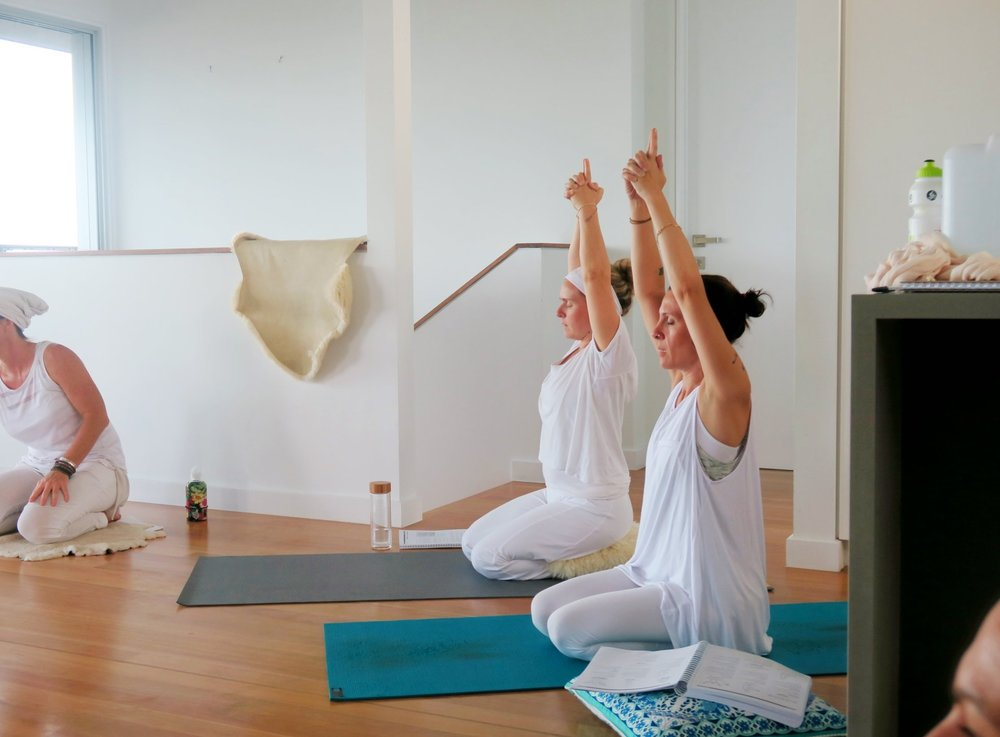 Beginners-yoga-intensive-course-brisbane-meditation