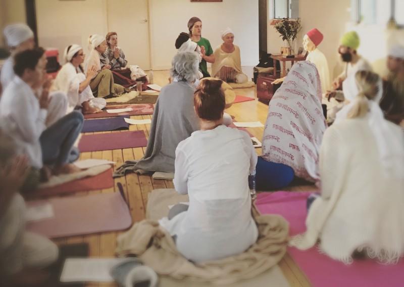 sadhana-practice-kundalini-yoga-community-brisbane
